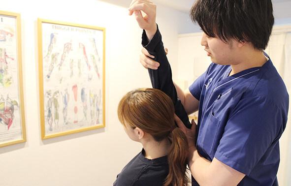 初診検査をしている写真
